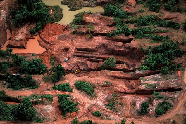 Mines d'or près de Poconé, Mato Grosso, Brésil (16°15' S - 56°37' O). © AFP