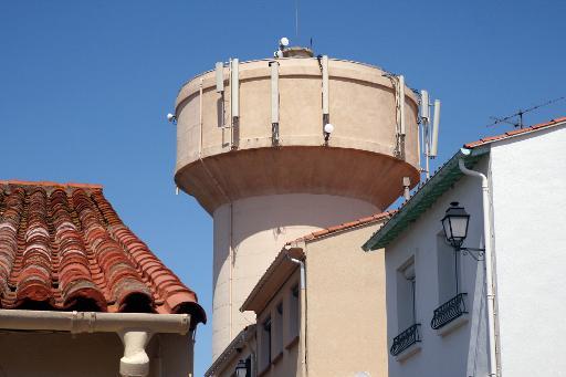 Des antennes-relais installées au sommet d'un château d'eau © AFP/Archives Raymond Roig