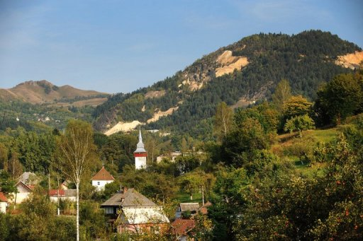 This photo taken on September 20, 2011 shows a general view of Rosia Montana village, 430 kms west of Bucharest © AFP/File Daniel Mihailescu