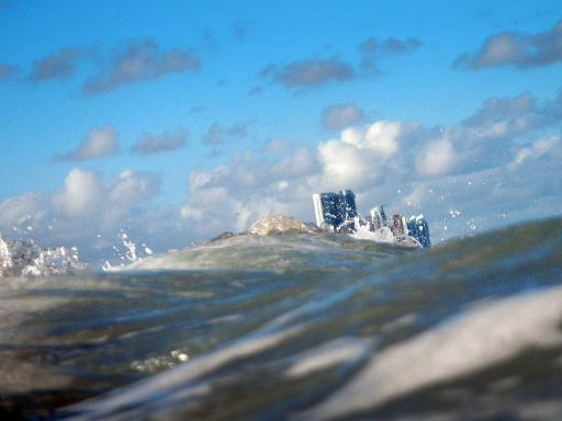 Buildings are seen near the ocean as on March 14, 2012 in North Miami, Florida © GETTY IMAGES NORTH AMERICA/AFP/File Joe Raedle