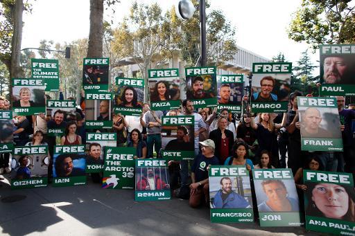 Manifestation à Paris pour la libération des militants de Greenpeace détenus en Russie, le 27 septembre 2013 © AFP/Archives Thomas Samson