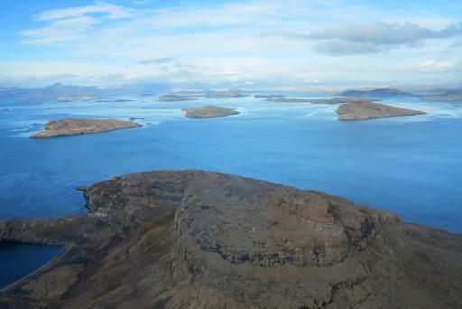 Vue aérienne de l'archipel des îles Kerguelen, dans les Terres australes et antarctiques françaises (TAAF) © AFP/Archives Sophie Lautier