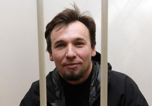 Greenpeace activist leaves Russia