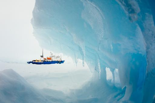 ship frozen in Antarctic