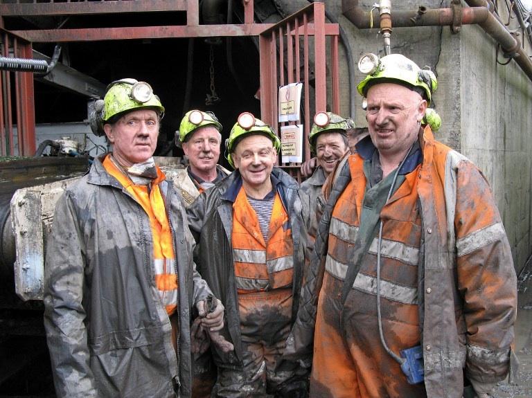 CWMGWRACH, Royaume-Uni: des mineurs dans une mine de charbon dans le village de CWMGWRACH au sud du pays de galle en février 2007. © AFP PHOTO/PIERRE PRATABUY