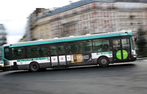 Le coup d'envoi de l'abandon progressif du diesel pour les 9.000 bus roulant en Ile-de-France va être donné mercredi prochain, a annoncé mercredi à l'AFP Pierre Serne (EELV),  vice-président du Stif, l'autorité organisatrice des transports franciliens. © AFP/Archives Loic Venance