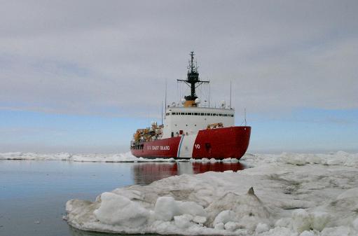 navires piegés dans les glaces