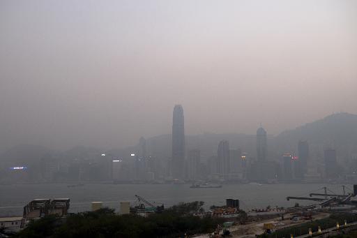 Thick smog hangs over Hong Kong on January 5, 2014 © AFP/File Alex Ogle