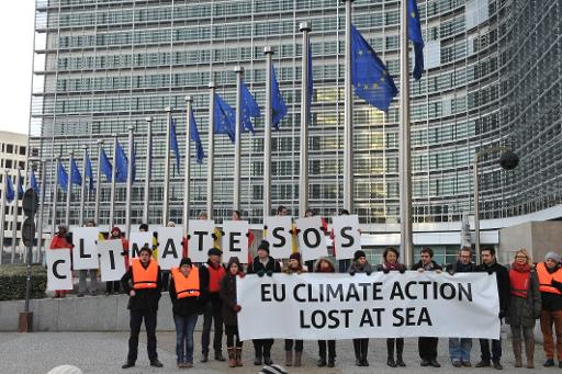 Activists of multiple NGO demonstrate in support of the European climate objectives for 2030 at the European Commission Headquarters by the Berlaymont Building, on January 22, 2014 in Brussels © AFP Georges Gobet