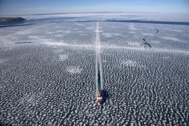 Brise-glace Louis-Saint-Laurent, Nunavut, Yann Arthus-Bertrand/Altitude