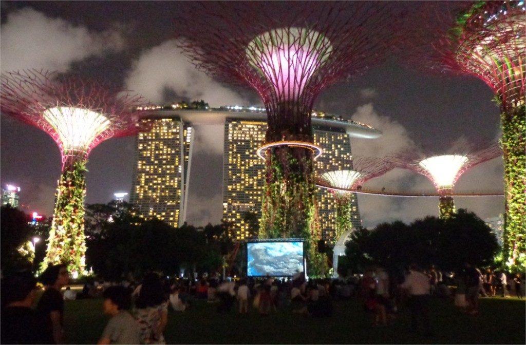 L'exposition « Planet Ocean » dans le cadre du festival « Voilàh! » organisé par l'Institut Français de Singapour