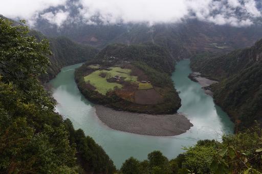 Un méandre du fleuve Salouen, dans la province chinoise du Yunnan, le 19 mars 2015 © AFP GREG BAKER