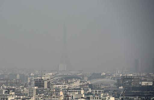 Le ciel de Paris un jour de pollution, le 18 mars 2015 © AFP/Archives Franck Fife