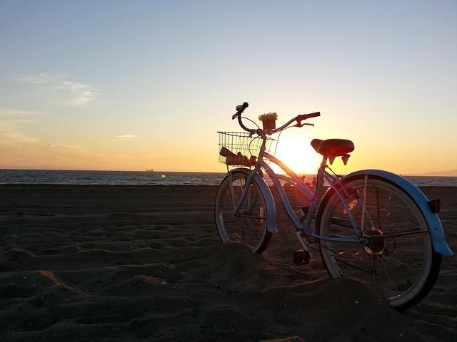 Vélo-plage-Pixabay