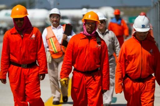 gisements de pétrole