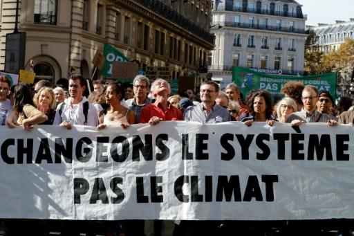 """Résultat de recherche d'images pour """"photo changeons le système pas le climat"""""""