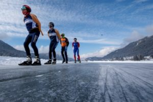 lac Weissensee autriche patineurs