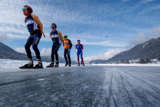 james bond lac Weissensee autriche patineurs
