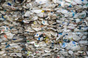 Un conteneur rempli de plastique australien, à Port Klang, en Malaisie, le 28 mai 2019. © AFP Mohd RASFAN