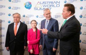 De gauche à droite: le secrétaire général de l'ONU Antonio Guterres, la militante pour le climat Greta Thunberg, le président autrichien Alexander Van der Bellen et l'acteur Arnold Schwarzenegger avant une conférence à Vienne en Autriche, le 28 mai 2019 © APA/AFP GEORG HOCHMUTH