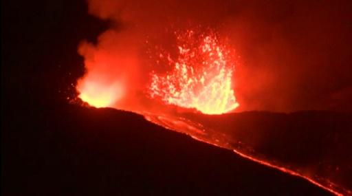 Image tirée d'une vidéo de l'AFP, montrant l'éruption de l'Etna le 31 mai 2019 © AFP Alessio TRICANI