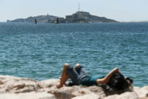Depuis début juin à Marseille, des interdictions momentanées de baignade ont été prononcées à 15 reprises, concernant sept des 21 plages, au grand dam des habitants de la ville, où ces restrictions sont fréquentes chaque été © AFP/Archives ANNE-CHRISTINE POUJOULAT