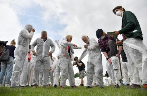 Des militants pour le climat lors d'un entraînement avant une opération contre des mines de charbon, le 20 juin 2019 à Viersen, en Allemagne © AFP INA FASSBENDER