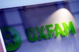 L'ONG Oxfam exige l'intervention de l'Etat pour contraindre les banques à réduire leurs investissements dans les énergies fossiles © AFP/Archives Andy Buchanan