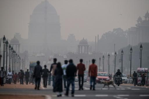 Vue d'une rue polluée de New Delhi le 01 décembre 2015 © AFP/Archives ROBERTO SCHMIDT