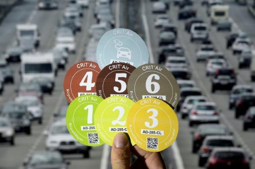 La Métropole du Grand Paris (MGP) va interdire à partir du 1er juillet la circulation des véhicules les plus polluants autour de la capitale, mais se donne jusqu'en 2021, après les municipales, pour sanctionner les contrevenants et harmoniser son dispositif avec celui plus strict de Paris © AFP/Archives LIONEL BONAVENTURE