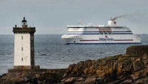 Un ferry de la Brittany Ferries au large du Conquet dans le Finistère le 4 décembre 2017 © AFP/Archives FRED TANNEAU