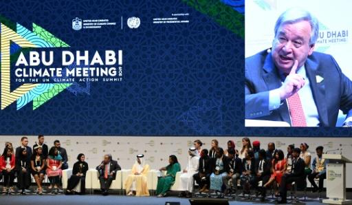 Le secrétaire général de l'ONU Antonio Guterres (au centre à gauche) lors d'une réunion sur le climat à Abou Dhabi, aux Emirats arabes unis, le 30 juin 2019 © AFP KARIM SAHIB
