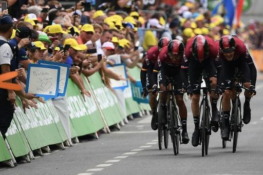 L'équipe britannique Ineos à l'arrivée de la 2e étape du Tour de France 2019, le 7 juillet 2019 en Belgique © AFP Anne-Christine POUJOULAT