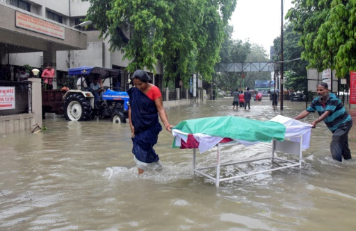 Inondations meutrières dans la ville de Vadodara, en Inde, le 2 août 2019 © AFP STR