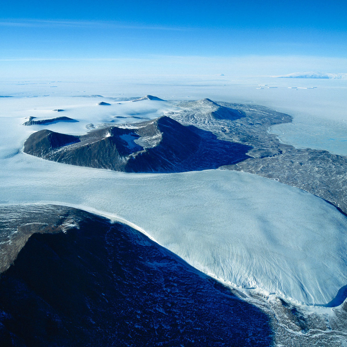Taylor Valley - Commonwealth Glacier and Mc Murdo Sound - Victoria Land - Antarctica (South Pole) (77°34' S - 164°11' E)