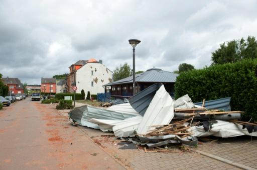 Vue des dommages laissés le 10 août 2019 dans la commune luxembourgeoise de Bascharage par une tornade qui a dévasté la veille le sud du Luxembourg © BELGA/AFP ANTHONY DEHEZ