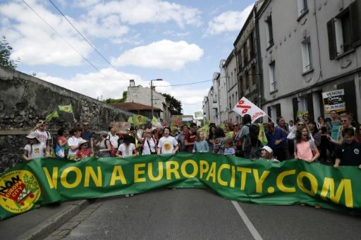 """Manifestation contre le projet """"EuropaCity"""", le 21 mai 2017 à Gonesse (Val-d'Oise) © AFP/Archives Thomas SAMSON"""