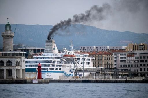 Pollution, bateaux, Marseille