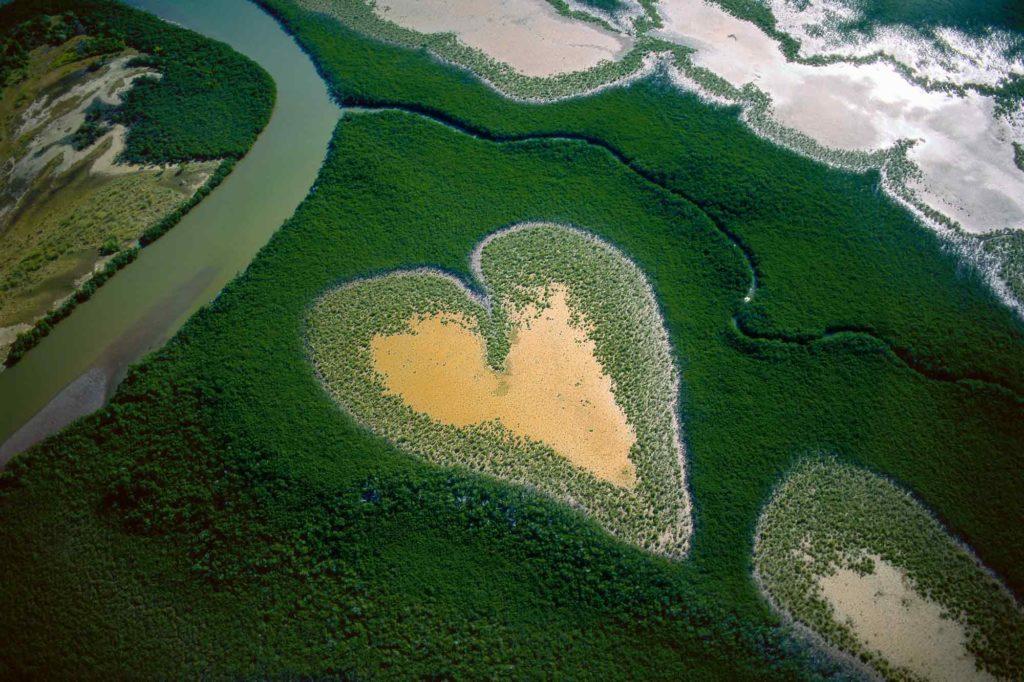 coeur de voh - copyright yann arthus bertrand