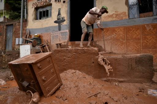 maison après les inondations à Sabara