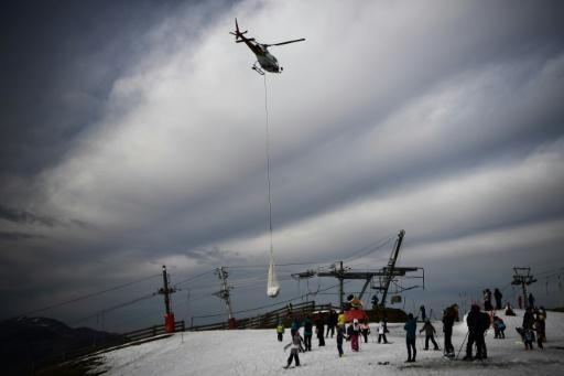 helicoptére piste neige