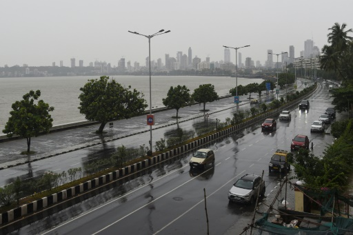 bombay inde cyclone