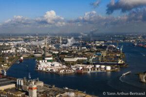 Belgique port indutriel et complexe pétrochimique
