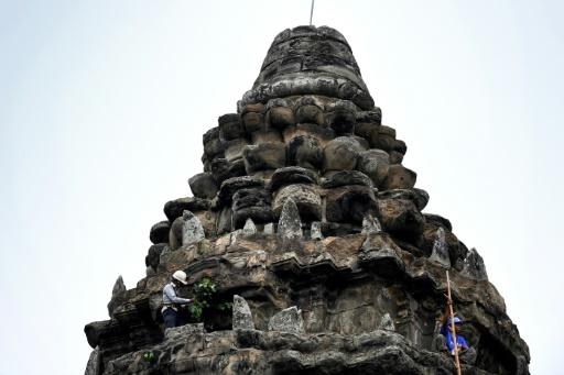 Cambodge jardinier temple