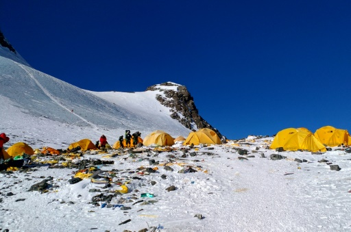 pollution Everest