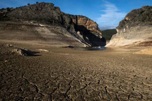 Espagne terre craquelée sécheresse