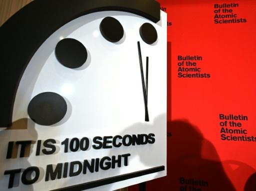 horloge de l'apocalypse minuit