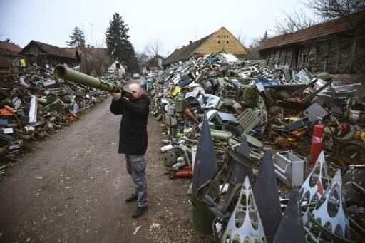 armes instruments serbie