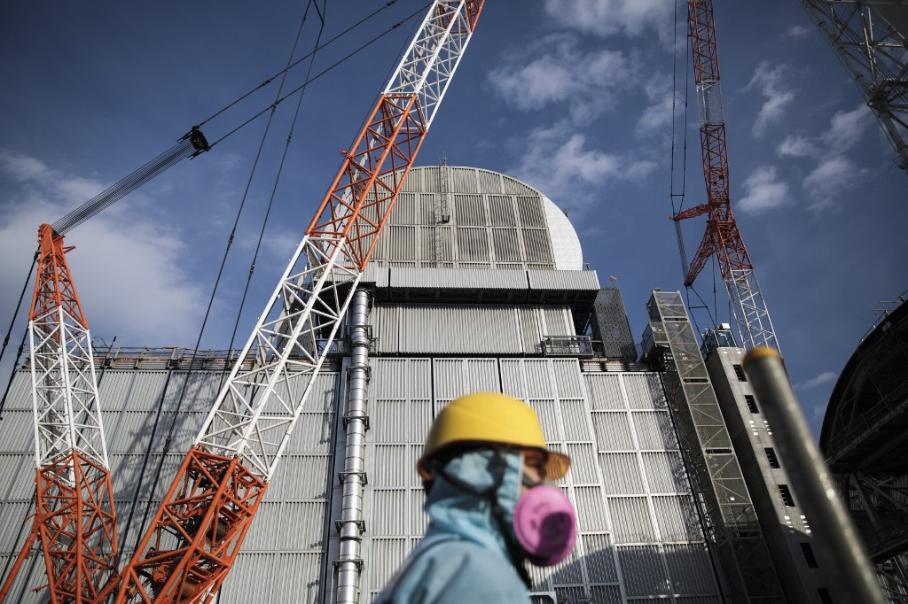 10 ans apres fukushilmla nucleaire france sortir du nucleaire charlotte mijeon