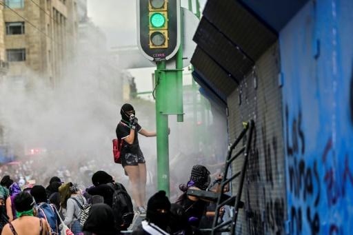 femmes droits manifestation monde